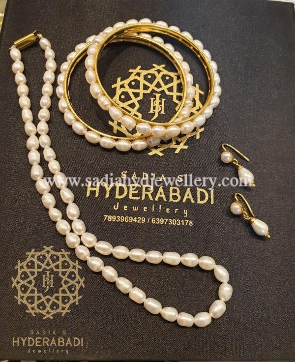 Drop Shape Real Pearl Set with Bangles